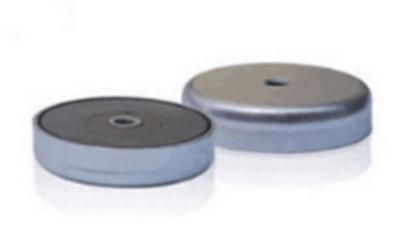 Aimants néodymes insérés dans un bracelet magnétique de magnétothérapie